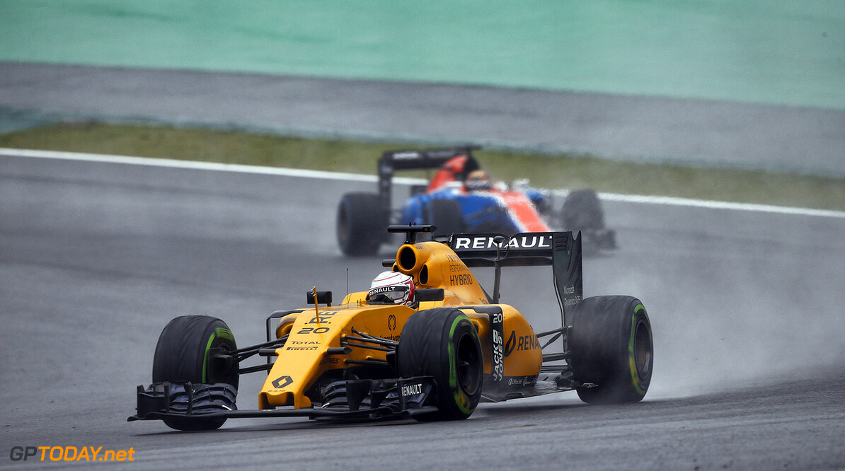 20 MAGNUSSEN Kevin (dnk) Renault RS16 action during the 2016 Formula One World Championship, Brazil Grand Prix from November 11 to 13 in Sao Paulo, Brazil - Photo Frederic Le Floc'h / DPPI F1 - BRAZIL GRAND PRIX 2016 Frederic Le Floc'h Sao Paulo Br?sil  Auto Brazilian Br?sil Bresilien Car F1 Formula 1 Formula One Formule 1 Formule Un Grand Prix Monoplace Motorsport November Novembre Race World Championship