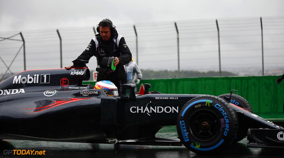 """Alonso: """"Volgende keer ram ik Vettel van de baan"""""""