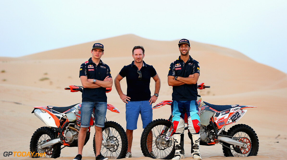 ABU DHABI, UNITED ARAB EMIRATES - NOVEMBER 23: (L-R) Max Verstappen of the Netherlands and Red Bull Racing, Red Bull Racing Team Principal Christian Horner and Daniel Ricciardo of Australia and Red Bull Racing pose for a photograph during the Red Bull Racing Sunset Sands on November 23, 2016 in Abu Dhabi, United Arab Emirates.  (Photo by Francois Nel/Getty Images) // Getty Images / Red Bull Content Pool  // P-20161123-02233 // Usage for editorial use only // Please go to www.redbullcontentpool.com for further information. //  Red Bull Racing Sunset Sands Francois Nel Abu Dhabi United Arab Emirates  P-20161123-02233