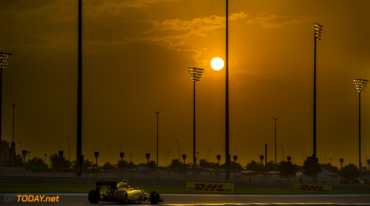 PALMER Jolyon (gbr) Renault F1 RS.16 driver Renault Sport F1 team action during the 2016 Formula One World Championship, Abu Dhabi Grand Prix from November 25 to 27  in Yas Marina - Photo Francois Flamand / DPPI F1 - ABU DHABI GRAND PRIX 2016 Francois Flamand Yas Marina Abu Dhabi  Aed Car F1 Formula 1 Formula One Formule 1 Formule Un Grand Prix Monoplace Motorsport Moyen Orient November Novembre Race Uniplace United World Championship