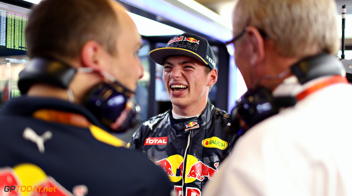 ABU DHABI, UNITED ARAB EMIRATES - NOVEMBER 25: Max Verstappen of Netherlands and Red Bull Racing talks with race engineer Gianpiero Lambiase and Red Bull Racing Team Consultant Dr Helmut Marko in the garage  during practice for the Abu Dhabi Formula One Grand Prix at Yas Marina Circuit on November 25, 2016 in Abu Dhabi, United Arab Emirates.  (Photo by Mark Thompson/Getty Images) // Getty Images / Red Bull Content Pool  // P-20161125-01259 // Usage for editorial use only // Please go to www.redbullcontentpool.com for further information. //  F1 Grand Prix of Abu Dhabi - Practice Mark Thompson Abu Dhabi United Arab Emirates  P-20161125-01259