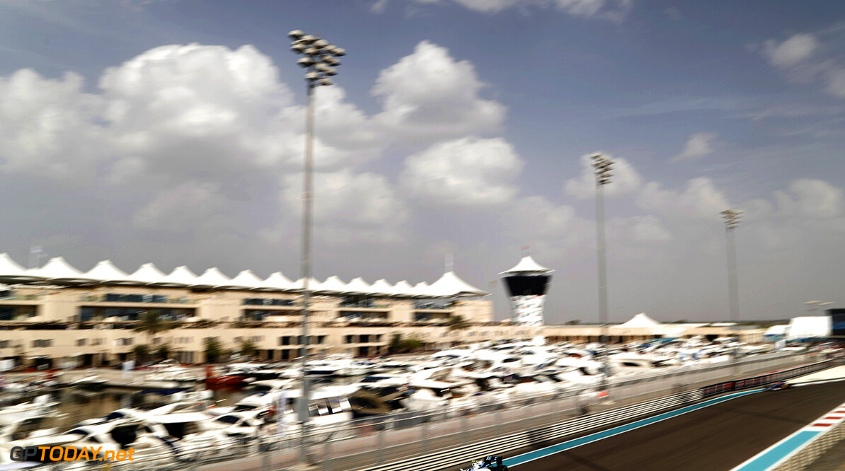 Yas Marina Circuit, Abu Dhabi, United Arab Emirates. Friday 25 November 2016. Valtteri Bottas, Williams FW38 Mercedes. Photo: Glenn Dunbar/Williams ref: Digital Image _31I4901  Glenn Dunbar    Action