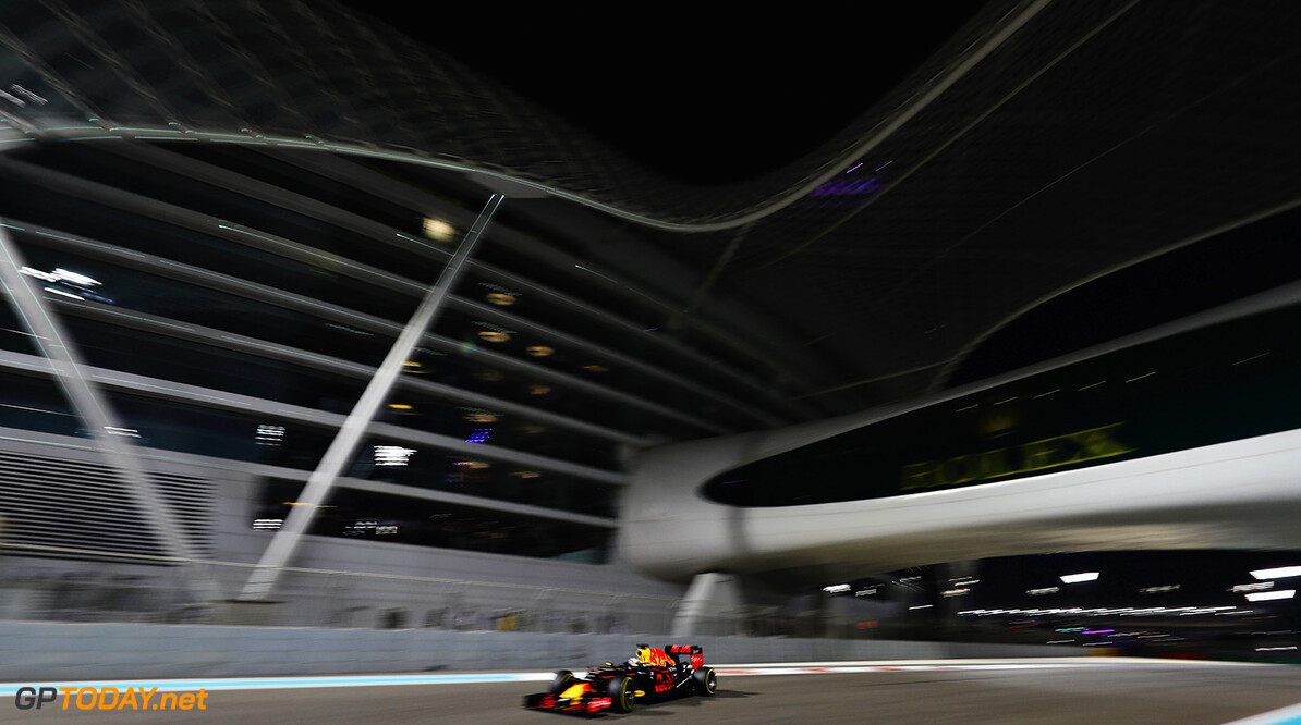 ABU DHABI, UNITED ARAB EMIRATES - NOVEMBER 27: Daniel Ricciardo of Australia driving the (3) Red Bull Racing Red Bull-TAG Heuer RB12 TAG Heuer on track  during the Abu Dhabi Formula One Grand Prix at Yas Marina Circuit on November 27, 2016 in Abu Dhabi, United Arab Emirates.  (Photo by Mark Thompson/Getty Images) // Getty Images / Red Bull Content Pool  // P-20161127-00666 // Usage for editorial use only // Please go to www.redbullcontentpool.com for further information. //  F1 Grand Prix of Abu Dhabi Mark Thompson Abu Dhabi United Arab Emirates  P-20161127-00666
