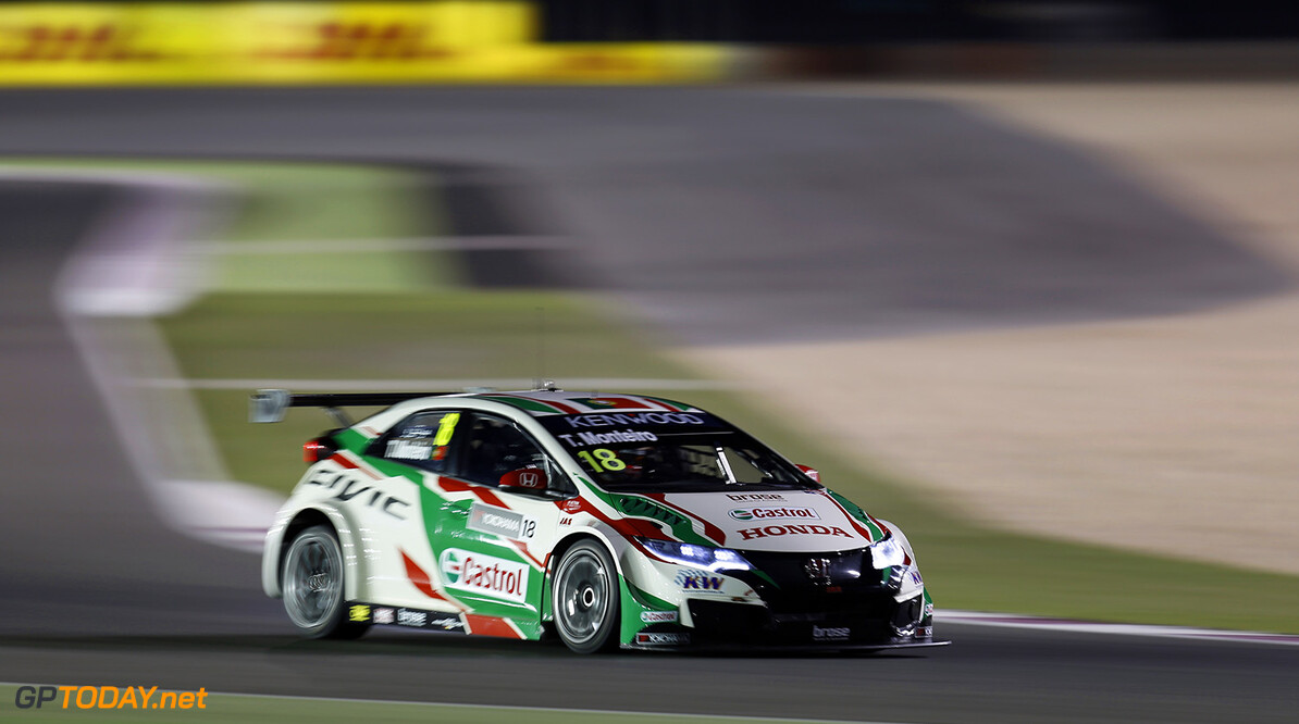 18 MONTEIRO Tiago (por) Honda Civic team Castrol Honda WTCC action during the 2016 FIA WTCC World Touring Car Championship race at Losail  from November 23 to 25 Qatar - Photo Clement Marin / DPPI AUTO - WTCC LOSAIL 2016 Clement Marin Losail Qatar  Auto Championnat Du Monde Losail International Circuit Circuit Course Fia Motorsport November Novembre Quatar Tourisme Wtcc