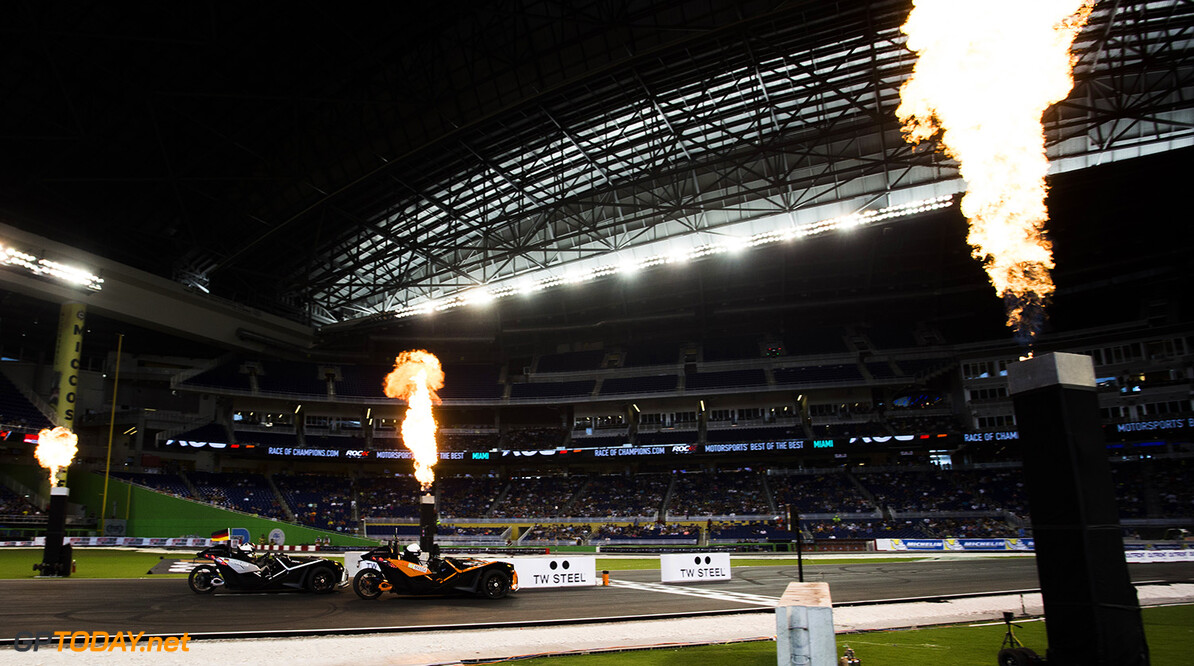 2017 Race of Champions, Marlins Park, Miami, USA Felipe Massa (BRA) beats Pascal Wehrlein (GER) to the line during the Race of Champions on Saturday 21 January 2017 at Marlins Park, Miami, Florida, USA      action