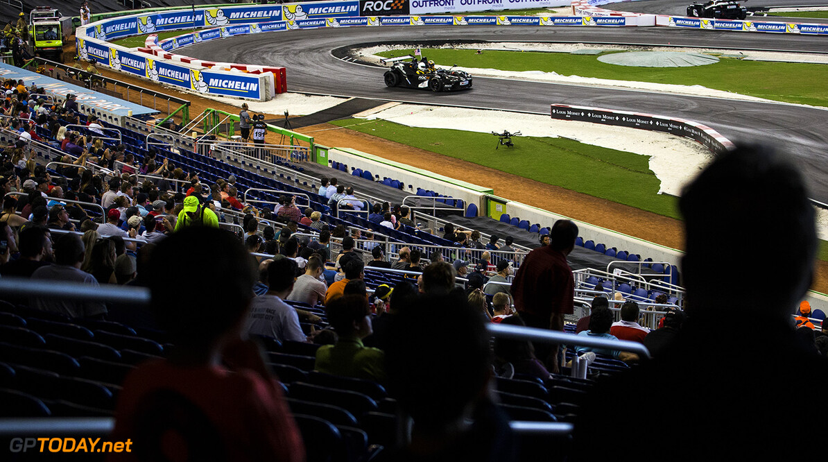 2017 Race of Champions, Marlins Park, Miami, USA Team USA IndyCar Ryan Hunter-Reay (USA) races ROC Factor Canada driving the KTM X-Bow Comp R during the ROC Nations Cup on Sunday 22 January 2017 at Marlins Park, Miami, Florida, USA