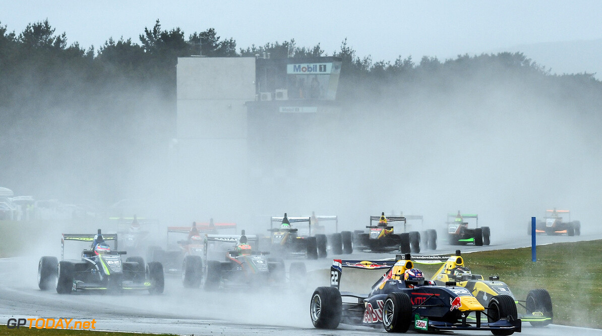 Richard Verschoor Wins a rain soaked race 3 at stop 1 of the  Castrol Toyota Racing Series at Teretonga, Invercargill, New Zealand on Sunday 22 January 2017 // Bruce Jenkins/Red Bull Content Pool // P-20170122-00457 // Usage for editorial use only // Please go to www.redbullcontentpool.com for further information. //  Richard Verschoor   New Zealand  P-20170122-00457