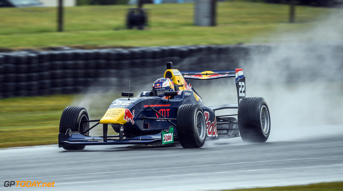 Richard Verschoor performs during the practice, Round 2 of the 2017 Castrol Toyota Racing Series at Teretonga Park Raceway, Invercargill, New Zealand, January 20, 2017 // Bruce Jenkins/Red Bull Content Pool // P-20170120-02794 // Usage for editorial use only // Please go to www.redbullcontentpool.com for further information. //  Richard Verschoor Bruce Jenkins  New Zealand  P-20170120-02794