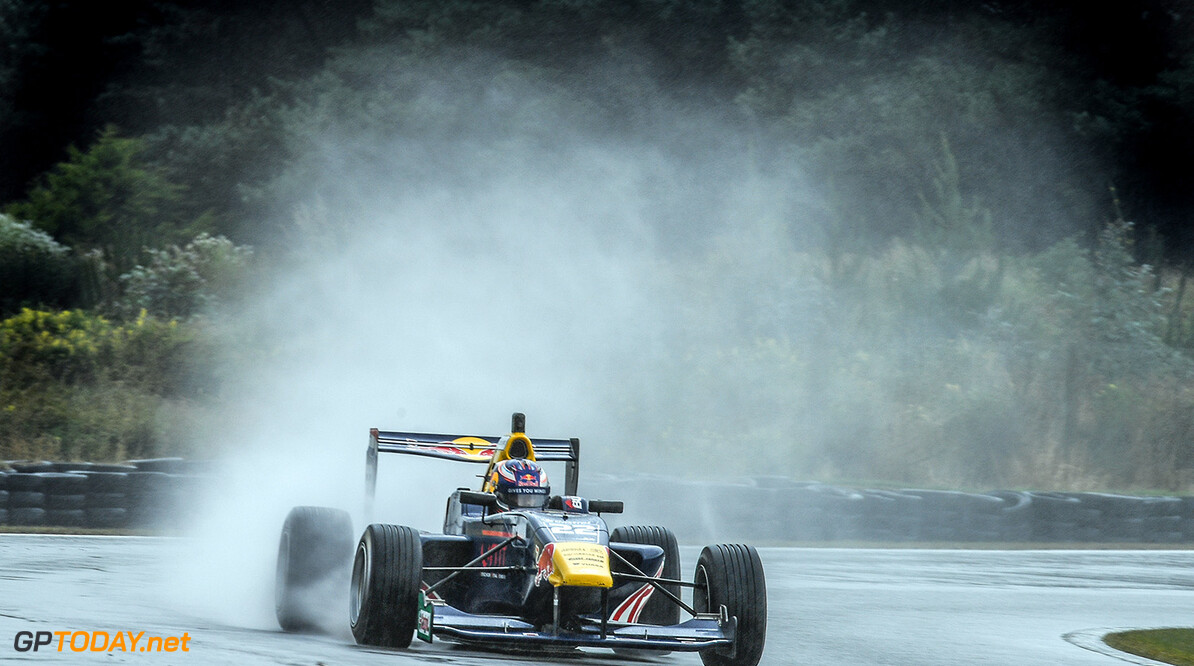 Richard Verschoor Wins a rain soaked race 3 at stop 1 of the  Castrol Toyota Racing Series at Teretonga, Invercargill, New Zealand on Sunday 22 January 2017 // Bruce Jenkins/Red Bull Content Pool // P-20170122-00456 // Usage for editorial use only // Please go to www.redbullcontentpool.com for further information. //  Richard Verschoor   New Zealand  P-20170122-00456