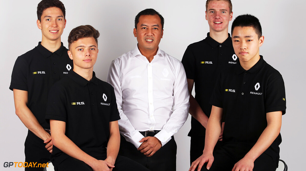 Formula One World Championship Renault Sport Academy Drivers (L to R): Jack Aitken (GBR); Max Fewtrell (GBR); Mia Sharizman (MAL) Renault Sport Academy Director; Jarno Opmeer (NLD); Sun Yue Yang (CHN). 