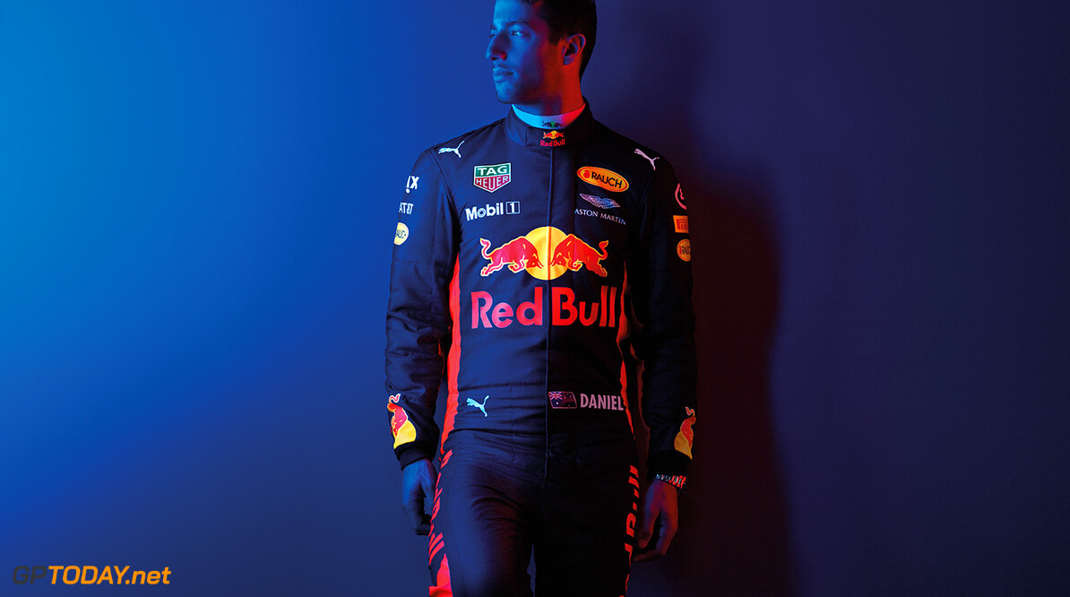 Daniel Ricciardo poses for a portrait during a studio shoot in London, United Kingdom on February, 2017  // David Clerihew/Red Bull Content Pool // P-20170225-00121 // Usage for editorial use only // Please go to www.redbullcontentpool.com for further information. //  Daniel Ricciardo  London United Kingdom  P-20170225-00121
