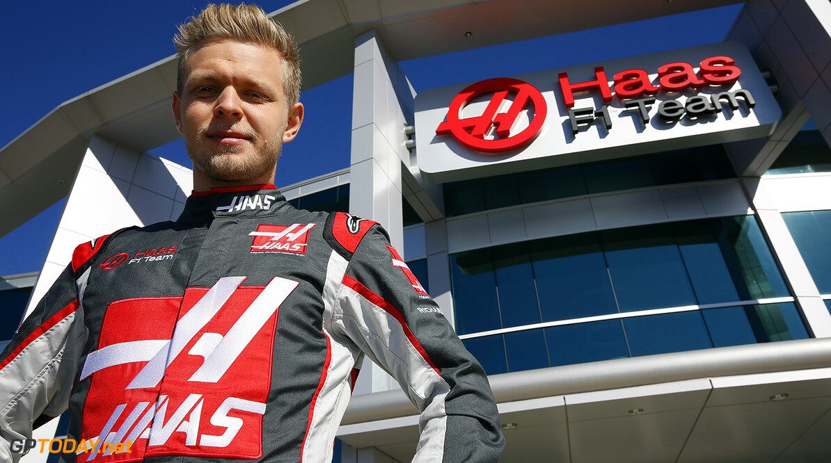 January 26, 2017:  Kevin Magnussen during a shop tour/media day at Haas F1 and Stewart Hass Racing in Kannoplis, N.C.  .   .  (HHP/Andrew Coppley)   Andrew Coppley Kannoplis   Nascar Autoracing