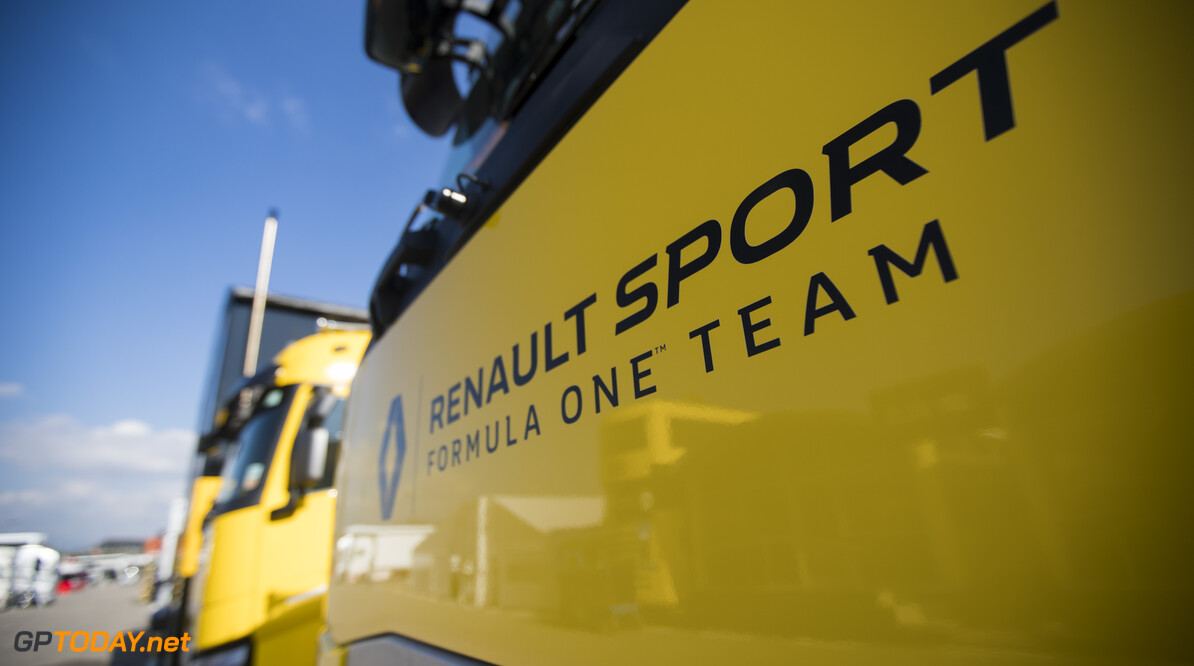 Renault thinks it could head midfield in 2017