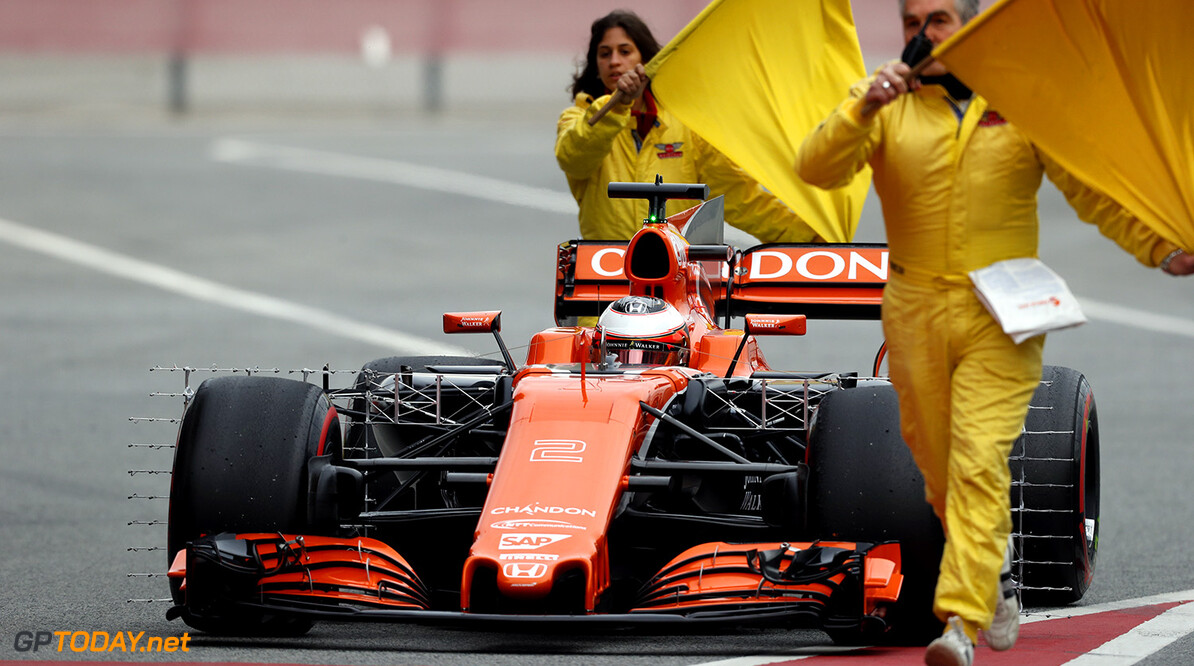 Testupdate: 31 rondjes voor Max, misère bij McLaren