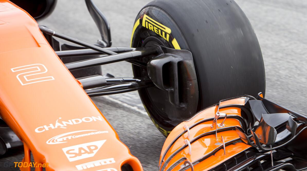 170228RF33256 Barcelona, Spain - 28 February 2017: McLaren Honda Formula 1 Team during Formula 1 Pre-Season Testing 2017 at Circuit de Barcelona-Catalunya, Barcelona, Spain. Formula 1 Pre-Season Testing 2017 Ronald Fleurbaaij Barcelona Spain  Barcelona Spain Formula 1 Pre-Season Testing 2017 Circuit de Barcelona-Catalunya Sports