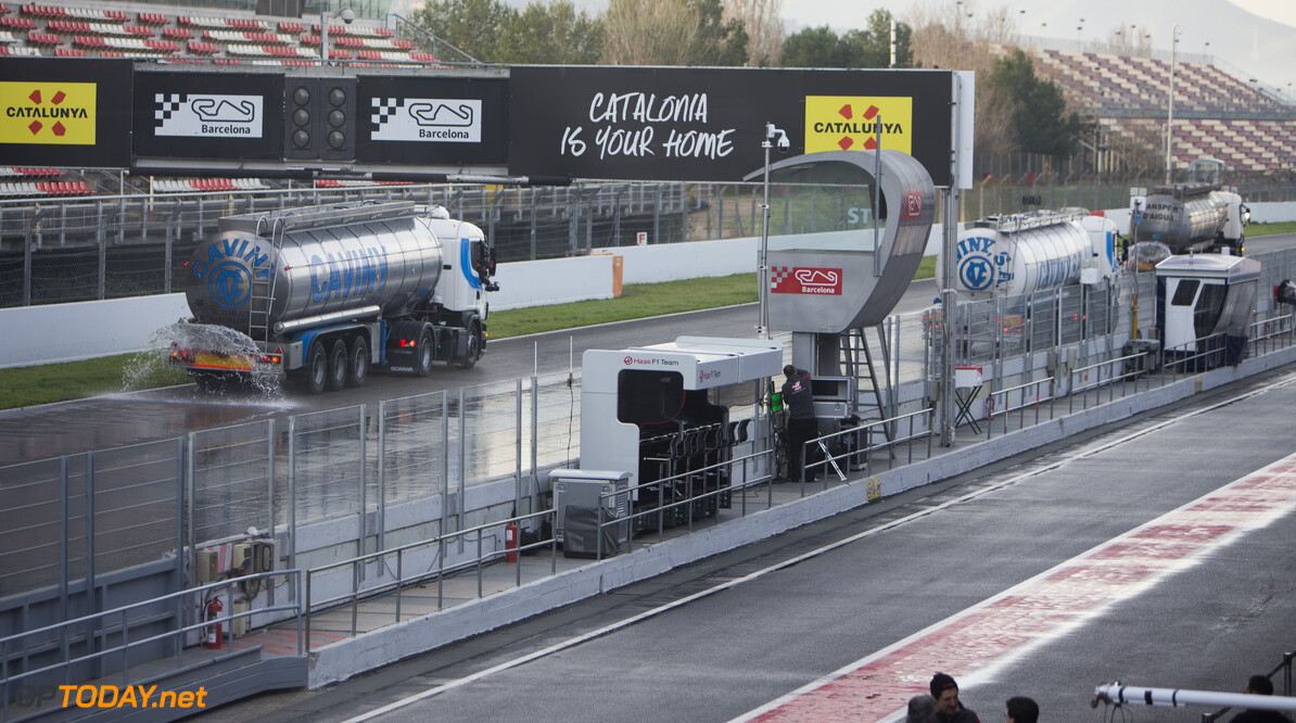 170302RF33828 Barcelona, Spain - 02 March 2017: Trucks watering the track in advance of the wet weather day test during Formula 1 Pre-Season Testing 2017 at Circuit de Barcelona-Catalunya, Barcelona, Spain. Formula 1 Pre-Season Testing 2017 Ronald Fleurbaaij Barcelona Spain  Barcelona Spain Formula 1 Pre-Season Testing 2017 Circuit de Barcelona-Catalunya Sports