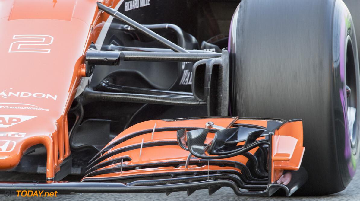 170302RF26294 Barcelona, Spain - 02 March 2017: McLaren Honda Formula 1 Team during Formula 1 Pre-Season Testing 2017 at Circuit de Barcelona-Catalunya, Barcelona, Spain. Formula 1 Pre-Season Testing 2017 Ronald Fleurbaaij Barcelona Spain  Barcelona Spain Formula 1 Pre-Season Testing 2017 Circuit de Barcelona-Catalunya Sports