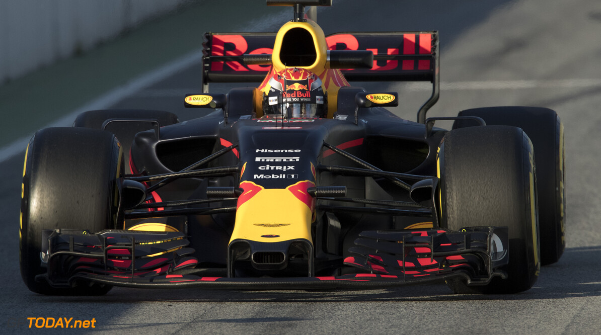 170302RF26305 Barcelona, Spain - 02 March 2017: #33 Max Verstappen (NLD), Red Bull Racing, during Formula 1 Pre-Season Testing 2017 at Circuit de Barcelona-Catalunya, Barcelona, Spain. Formula 1 Pre-Season Testing 2017 Ronald Fleurbaaij Barcelona Spain  Barcelona Spain Formula 1 Pre-Season Testing 2017 Circuit de Barcelona-Catalunya Sports