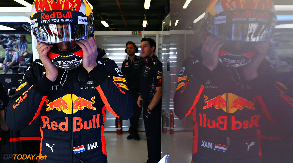 MELBOURNE, AUSTRALIA - MARCH 24:  Max Verstappen of Netherlands and Red Bull Racing prepares in the garage during practice for the Australian Formula One Grand Prix at Albert Park on March 24, 2017 in Melbourne, Australia.  (Photo by Mark Thompson/Getty Images) // Getty Images / Red Bull Content Pool  // P-20170324-00386 // Usage for editorial use only // Please go to www.redbullcontentpool.com for further information. //  Australian F1 Grand Prix - Practice Mark Thompson Melbourne Australia  P-20170324-00386
