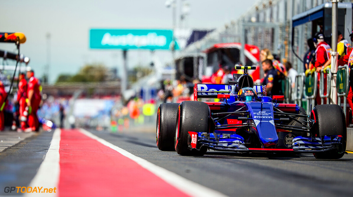 MELBOURNE, AUSTRALIA - MARCH 24:  Carlos Sainz of Scuderia Toro Rosso and Spain during practice for the Australian Formula One Grand Prix at Albert Park on March 24, 2017 in Melbourne, Australia.  (Photo by Peter Fox/Getty Images) // Getty Images / Red Bull Content Pool  // P-20170324-00338 // Usage for editorial use only // Please go to www.redbullcontentpool.com for further information. //  Australian F1 Grand Prix - Practice Peter Fox Melbourne Australia  P-20170324-00338