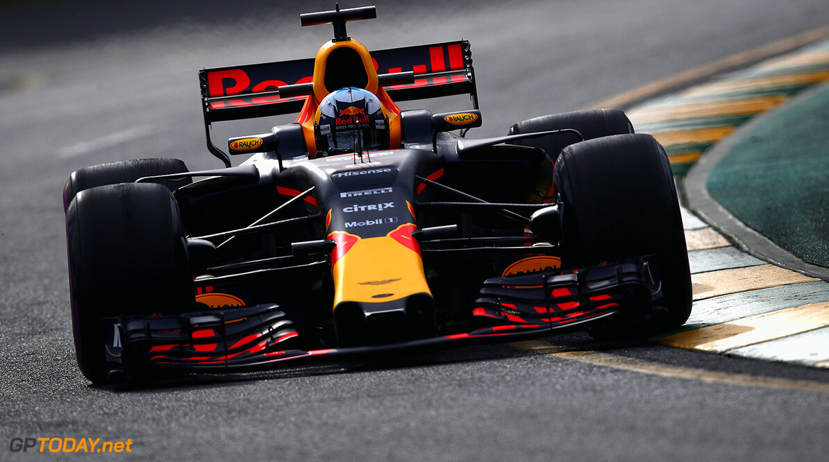 MELBOURNE, AUSTRALIA - MARCH 24: Daniel Ricciardo of Australia driving the (3) Red Bull Racing Red Bull-TAG Heuer RB13 TAG Heuer on track during practice for the Australian Formula One Grand Prix at Albert Park on March 24, 2017 in Melbourne, Australia.  (Photo by Clive Mason/Getty Images) // Getty Images / Red Bull Content Pool  // P-20170324-00701 // Usage for editorial use only // Please go to www.redbullcontentpool.com for further information. //  Australian F1 Grand Prix - Practice Clive Mason Melbourne Australia  P-20170324-00701