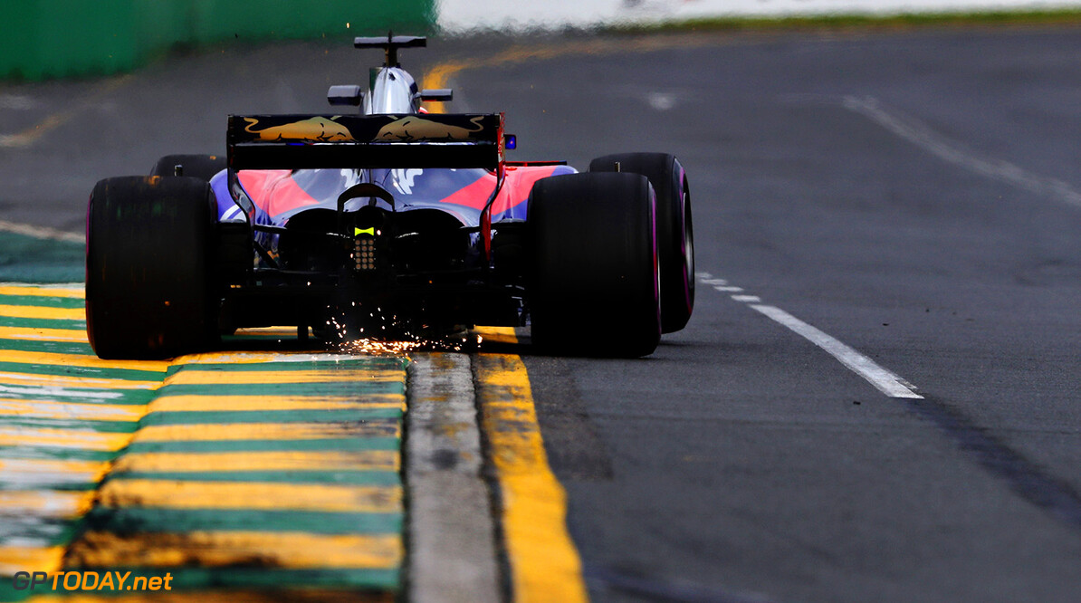 MELBOURNE, AUSTRALIA - MARCH 24: Daniil Kvyat of Russia driving the (26) Scuderia Toro Rosso STR12 on track during practice for the Australian Formula One Grand Prix at Albert Park on March 24, 2017 in Melbourne, Australia.  (Photo by Mark Thompson/Getty Images) // Getty Images / Red Bull Content Pool  // P-20170324-00664 // Usage for editorial use only // Please go to www.redbullcontentpool.com for further information. //  Australian F1 Grand Prix - Practice Mark Thompson Melbourne Australia  P-20170324-00664