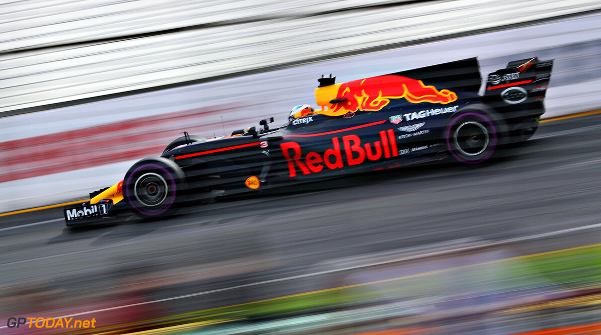 MELBOURNE, AUSTRALIA - MARCH 24: Daniel Ricciardo of Australia driving the (3) Red Bull Racing Red Bull-TAG Heuer RB13 TAG Heuer on track during practice for the Australian Formula One Grand Prix at Albert Park on March 24, 2017 in Melbourne, Australia.  (Photo by Mark Thompson/Getty Images) // Getty Images / Red Bull Content Pool  // P-20170324-00755 // Usage for editorial use only // Please go to www.redbullcontentpool.com for further information. //  Australian F1 Grand Prix - Practice Mark Thompson Melbourne Australia  P-20170324-00755