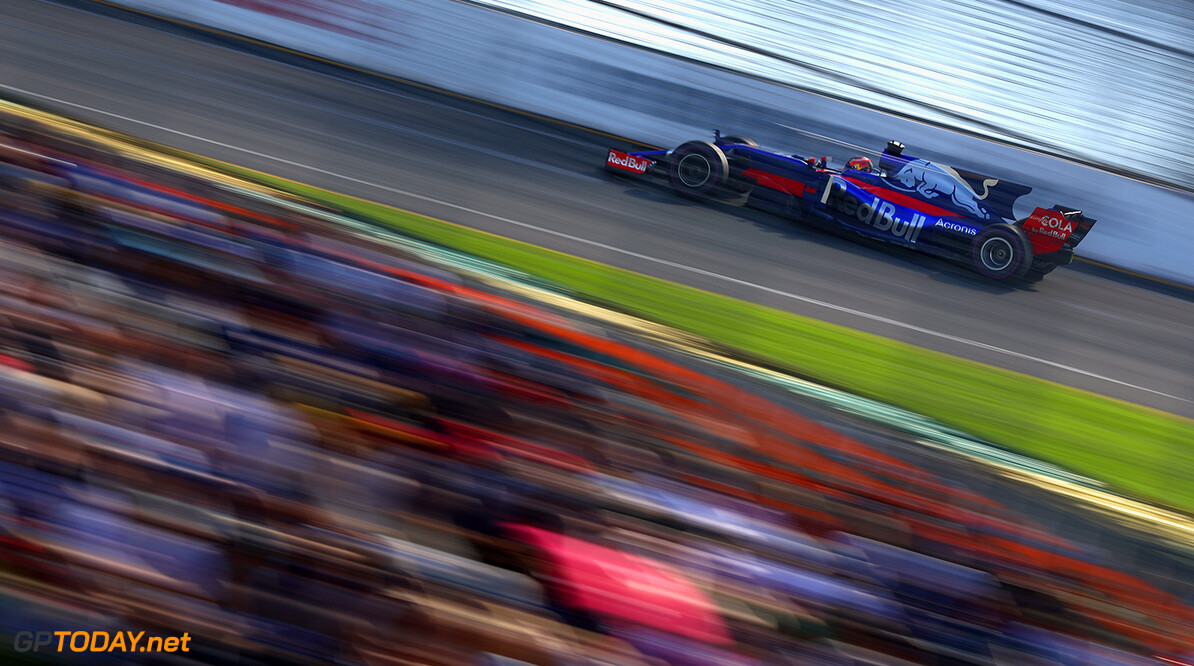 MELBOURNE, AUSTRALIA - MARCH 26: Daniil Kvyat of Russia driving the (26) Scuderia Toro Rosso STR12 on track during the Australian Formula One Grand Prix at Albert Park on March 26, 2017 in Melbourne, Australia.  (Photo by Clive Mason/Getty Images) // Getty Images / Red Bull Content Pool  // P-20170326-00504 // Usage for editorial use only // Please go to www.redbullcontentpool.com for further information. //  Australian F1 Grand Prix Clive Mason Melbourne Australia  P-20170326-00504