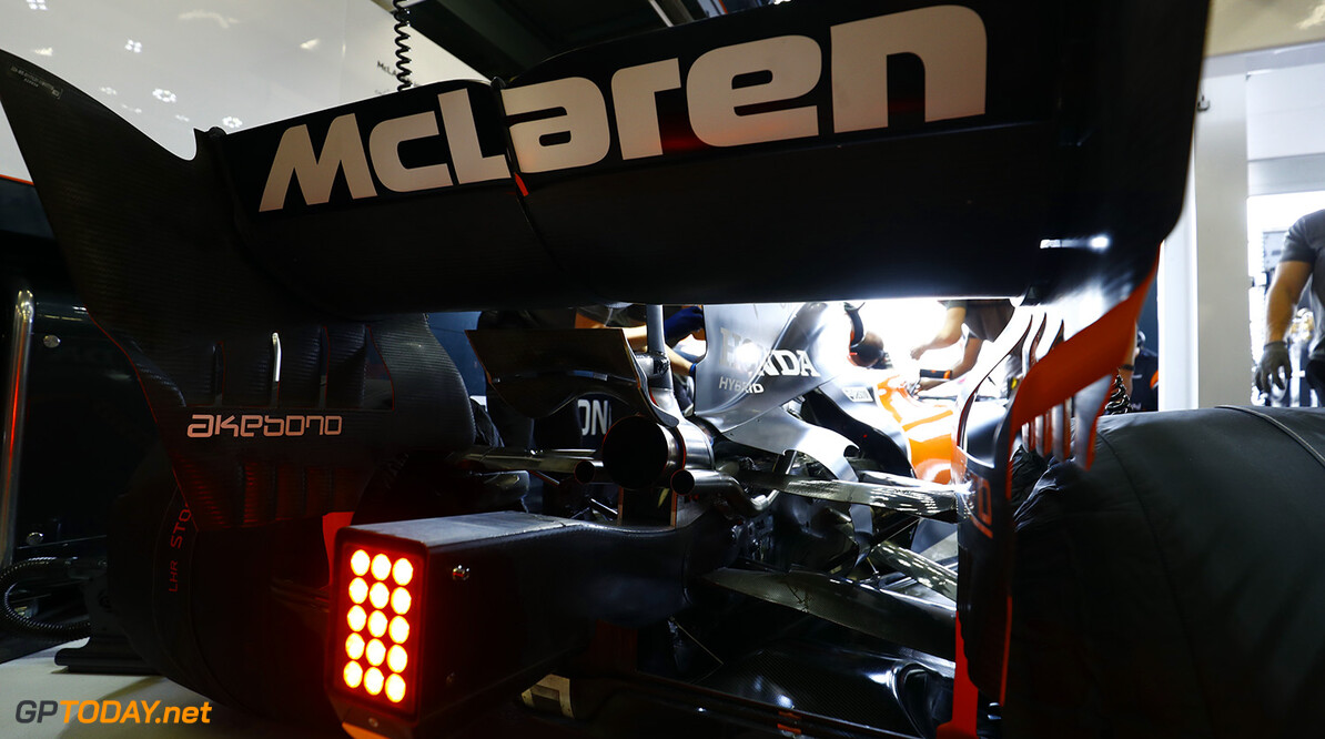 Mercedes not commenting on McLaren engine rumours