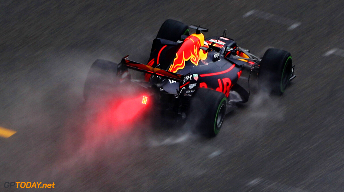 SHANGHAI, CHINA - APRIL 07: Daniel Ricciardo of Australia driving the (3) Red Bull Racing Red Bull-TAG Heuer RB13 TAG Heuer on track during practice for the Formula One Grand Prix of China at Shanghai International Circuit on April 7, 2017 in Shanghai, China.  (Photo by Lars Baron/Getty Images) // Getty Images / Red Bull Content Pool  // P-20170407-00328 // Usage for editorial use only // Please go to www.redbullcontentpool.com for further information. //  F1 Grand Prix of China - Practice Lars Baron  China  P-20170407-00328