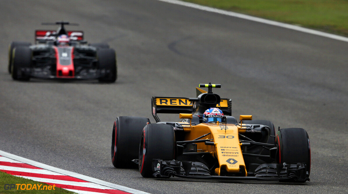 Formula One World Championship Jolyon Palmer (GBR) Renault Sport F1 Team RS17. Chinese Grand Prix, Sunday 9th April 2017. Shanghai, China. Motor Racing - Formula One World Championship - Chinese Grand Prix - Race Day - Shanghai, China Renault Sport Formula One Team Shanghai China  Formula One Formula 1 F1 GP Grand Prix China Chinese Shanghai Shanghai International Circuit JM688 Action Track GP1702d