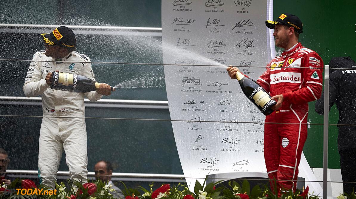 """Vettel: """"Ferrari in races gelijkwaardig aan Mercedes"""""""