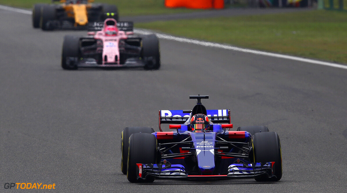 SHANGHAI, CHINA - APRIL 09:  Daniil Kvyat of Russia driving the (26) Scuderia Toro Rosso STR12 on track during the Formula One Grand Prix of China at Shanghai International Circuit on April 9, 2017 in Shanghai, China.  (Photo by Clive Mason/Getty Images) // Getty Images / Red Bull Content Pool  // P-20170409-00690 // Usage for editorial use only // Please go to www.redbullcontentpool.com for further information. //  F1 Grand Prix of China Clive Mason  China  P-20170409-00690