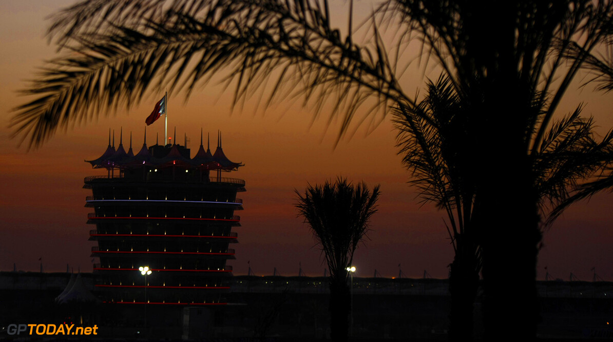 2010 Bahrain Grand Prix - Wednesday Bahrain International Circuit, Sakhir, Bahrain 11th March 2010 The Sakhir circuit as the sun sets. Atmosphere.  World Copyright: Charles Coates/LAT Photographic ref: Digital Image _26Y0462      10 BIC BAH BH F1 Formula 1 Formula One GP Mar