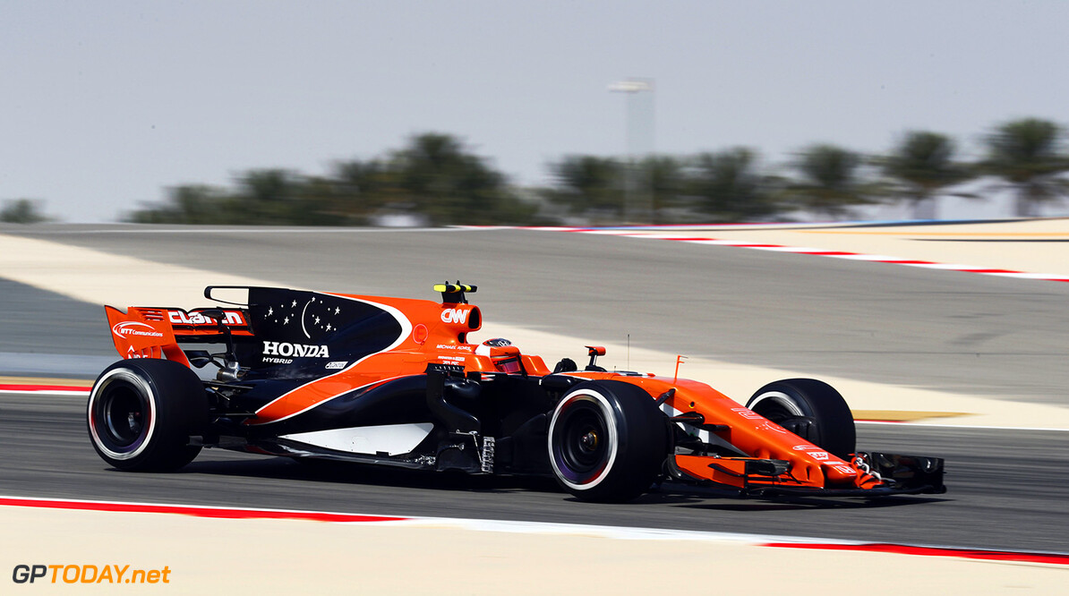 Bahrain International Circuit, Sakhir, Bahrain.  Friday 14 April 2017. Photo: Sam Bloxham/McLaren ref: Digital Image _J6I8875      f1 formula 1 formula one gp grand prix