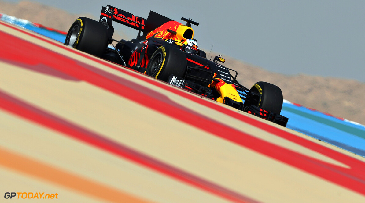 BAHRAIN, BAHRAIN - APRIL 14:  Daniel Ricciardo of Australia driving the (3) Red Bull Racing Red Bull-TAG Heuer RB13 TAG Heuer on track during practice for the Bahrain Formula One Grand Prix at Bahrain International Circuit on April 14, 2017 in Bahrain, Bahrain.  (Photo by Mark Thompson/Getty Images) // Getty Images / Red Bull Content Pool  // P-20170414-00865 // Usage for editorial use only // Please go to www.redbullcontentpool.com for further information. //  F1 Grand Prix of Bahrain - Practice Mark Thompson  Bahrain  P-20170414-00865
