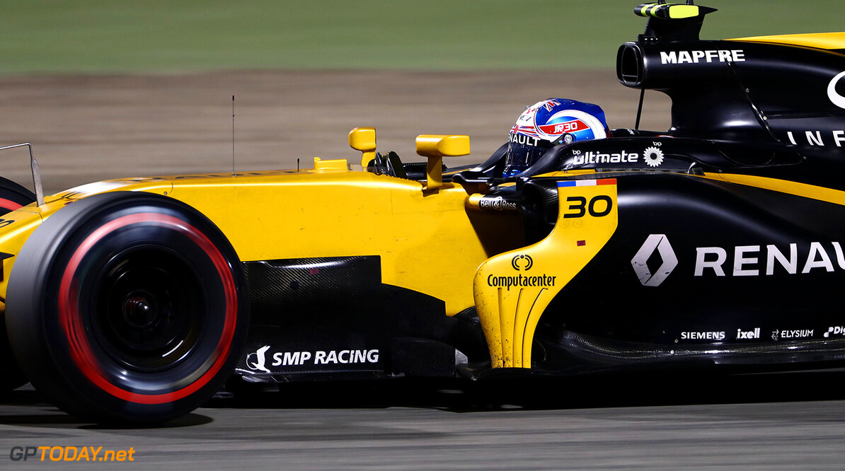 Formula One World Championship Jolyon Palmer (GBR) Renault Sport F1 Team RS17. Bahrain Grand Prix, Sunday 17th April 2017. Sakhir, Bahrain. Motor Racing - Formula One World Championship - Bahrain Grand Prix - Race Day - Sakhir, Bahrain Renault Sport Formula One Team Sakhir Bahrain  Formula One Formula 1 F1 GP Grand Prix Bahrain International Circuit BIC Bahrain Mamana Sakhir JM694 Action Track GP1703d
