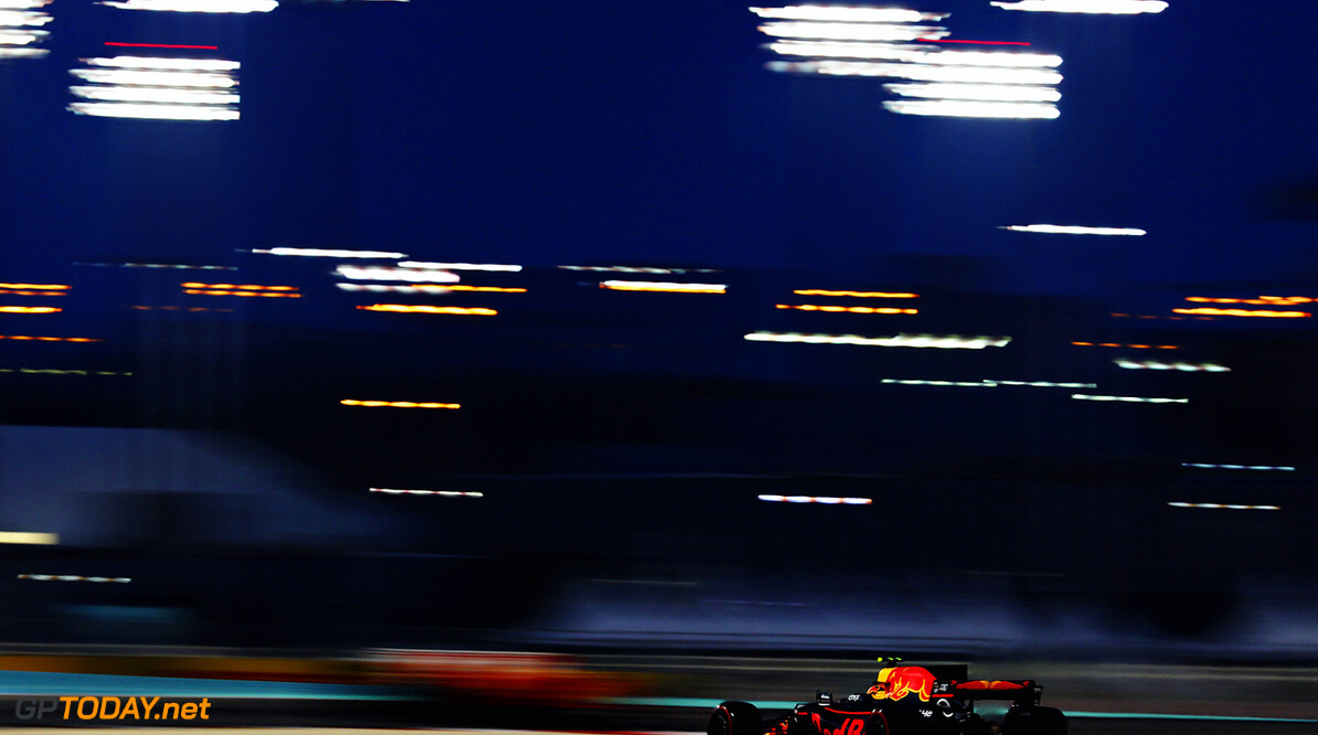 BAHRAIN, BAHRAIN - APRIL 16: Max Verstappen of the Netherlands driving the (33) Red Bull Racing Red Bull-TAG Heuer RB13 TAG Heuer on track during the Bahrain Formula One Grand Prix at Bahrain International Circuit on April 16, 2017 in Bahrain, Bahrain.  (Photo by Clive Mason/Getty Images) // Getty Images / Red Bull Content Pool  // P-20170416-01672 // Usage for editorial use only // Please go to www.redbullcontentpool.com for further information. //  F1 Grand Prix of Bahrain Clive Mason  Bahrain  P-20170416-01672
