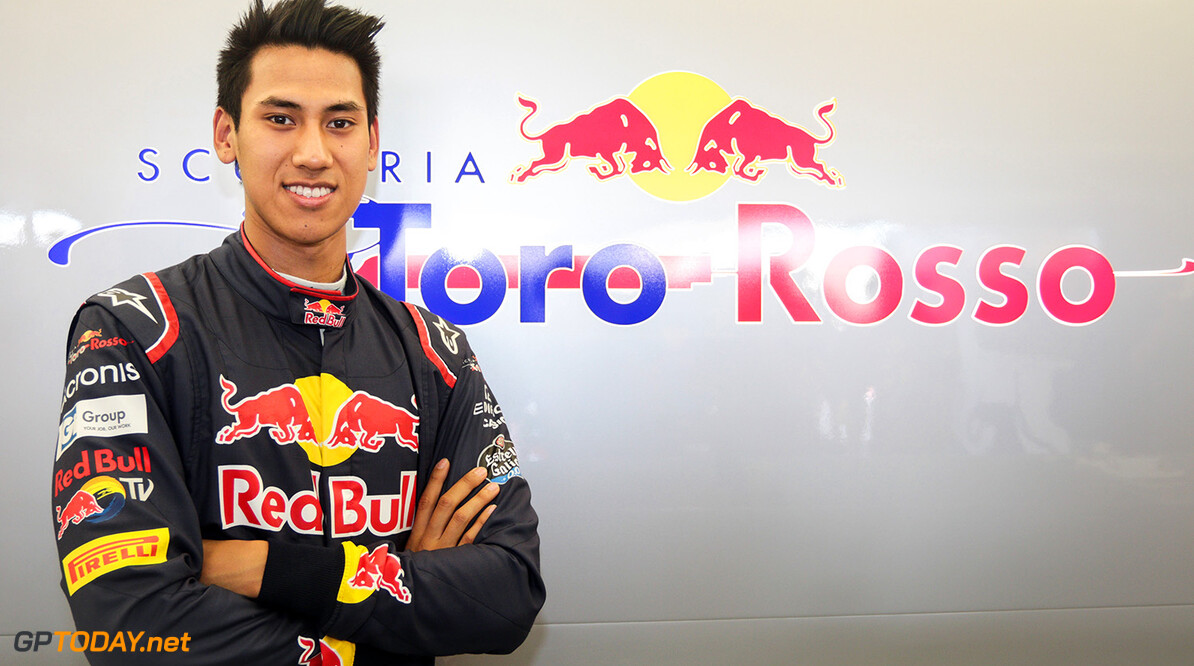 BAHRAIN, BAHRAIN - APRIL 18: Sean Gelael of Indonesia and Scuderia Toro Rosso in the garage during day one of Formula One in-season testing at Bahrain International Circuit on April 18, 2017 in Bahrain, Bahrain.  (Photo by Getty Images/Getty Images) // Getty Images / Red Bull Content Pool  // P-20170418-00255 // Usage for editorial use only // Please go to www.redbullcontentpool.com for further information. //  F1 In-Season Testing In Bahrain - Day One   Bahrain  P-20170418-00255