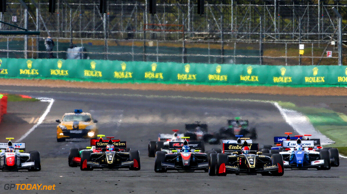 SILVERSTONE (GBR) APR 13-16 2017 - First round of the Worldseries Formula V8 3.5 at Silverstone Circuit. Start photo race 2. Action. (C) 2017 Klaas Norg / Dutch Photo Agency SILVERSTONE RACING FORMULA V8     Auto Autosport Car Formula Michelin Motorsports Race Racing Renault Silverstone Track UK World Series