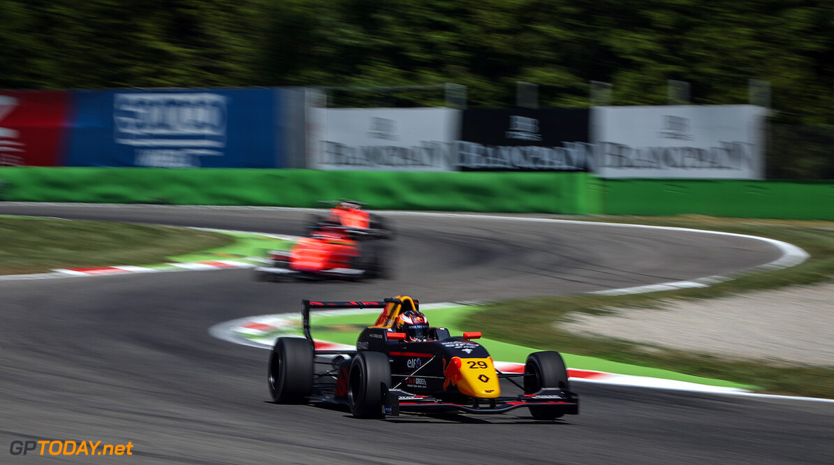 MONZA (ITA) APR 21-23 2017 -  First round of the Formula Renault 2.0 Eurocup at Autodromo di Monza. Richard Verschoor #29 MP Motorsport. // Dutch Photo Agency/Red Bull Content Pool // P-20170421-00780 // Usage for editorial use only // Please go to www.redbullcontentpool.com for further information. //  Richard Verschoor  Monza Italy  P-20170421-00780