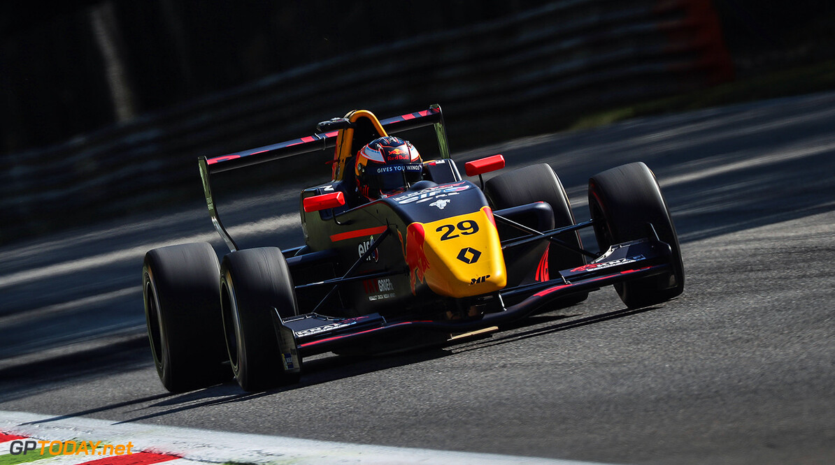 MONZA (ITA) APR 21-23 2017 -  First round of the Formula Renault 2.0 Eurocup at Autodromo di Monza. Richard Verschoor #29 MP Motorsport. // Dutch Photo Agency/Red Bull Content Pool // P-20170421-00804 // Usage for editorial use only // Please go to www.redbullcontentpool.com for further information. //  Richard Verschoor  Monza Italy  P-20170421-00804