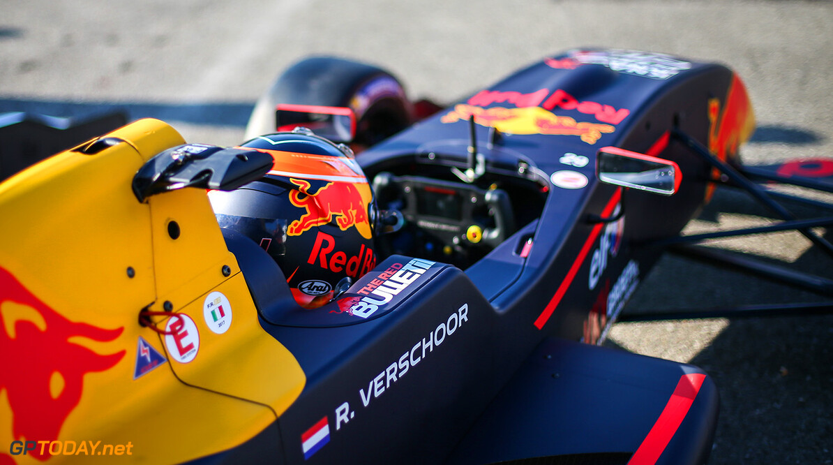 MONZA (ITA) APRIL 21-23 2017 - First round of the Formula Renault 2.0 Eurocup at Autodromo di Monza. Richard Verschoor #29 MP Motorsport. // Dutch Photo Agency/Red Bull Content Pool // P-20170423-00302 // Usage for editorial use only // Please go to www.redbullcontentpool.com for further information. //  Richard Verschoor Sebastiaan Rozendaal Monza Italy  P-20170423-00302