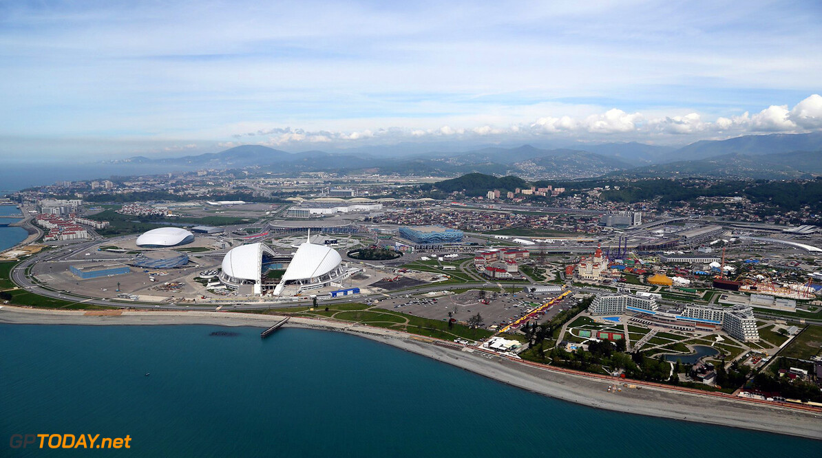 Sochi Autodrom past uitloopstrook tweede bocht aan