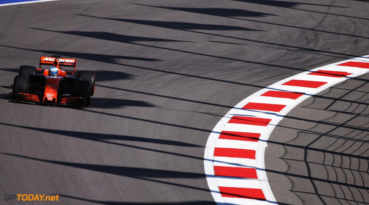 Sochi Autodrom, Sochi, Russia.  Friday 28 April 2017. Fernando Alonso, McLaren MCL32 Honda. Photo: Charles Coates/McLaren ref: Digital Image DJ5R3638      f1 formula 1 formula one gp grand prix Action
