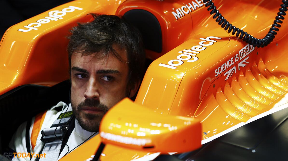 Fernando Alonso houdt deur naar de uitgang open