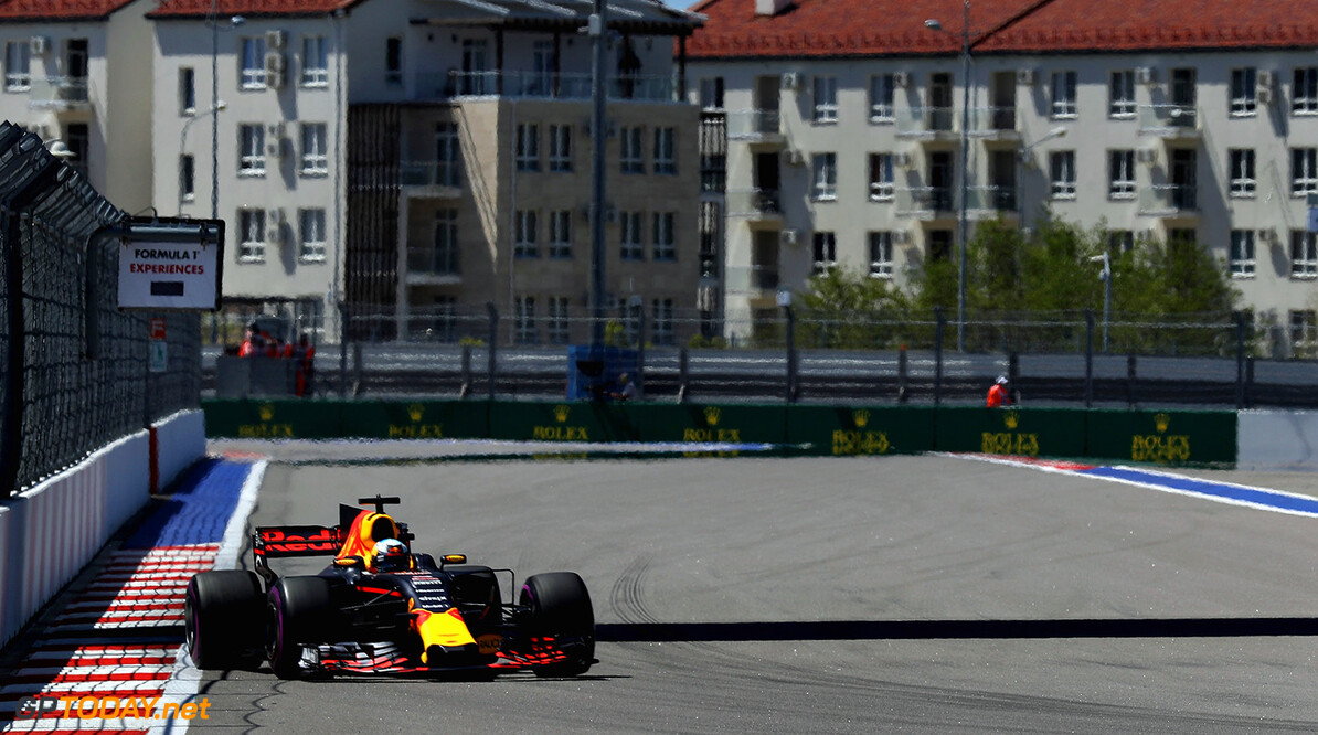 SOCHI, RUSSIA - APRIL 29: Daniel Ricciardo of Australia driving the (3) Red Bull Racing Red Bull-TAG Heuer RB13 TAG Heuer on track during final practice for the Formula One Grand Prix of Russia on April 29, 2017 in Sochi, Russia.  (Photo by Mark Thompson/Getty Images) // Getty Images / Red Bull Content Pool  // P-20170429-00893 // Usage for editorial use only // Please go to www.redbullcontentpool.com for further information. //  F1 Grand Prix of Russia - Qualifying Mark Thompson Sochi Russian Federation  P-20170429-00893