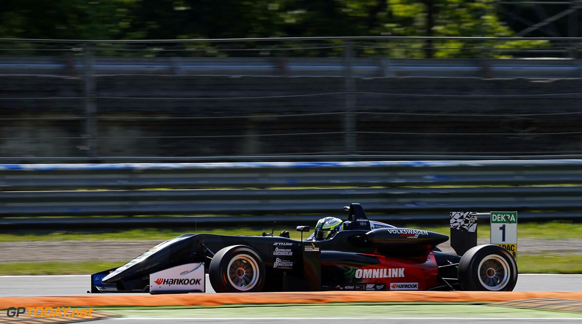 FIA Formula 3 European Championship, round 2, race 2, Monza (ITA 1 Joel Eriksson (SWE, Motopark, Dallara F317 - Volkswagen), FIA Formula 3 European Championship, round 2, race 2, Monza (ITA), 28. - 30. April 2017 FIA Formula 3 European Championship 2017, round 2, race 2, Monza (ITA) Thomas Suer Monza Italy