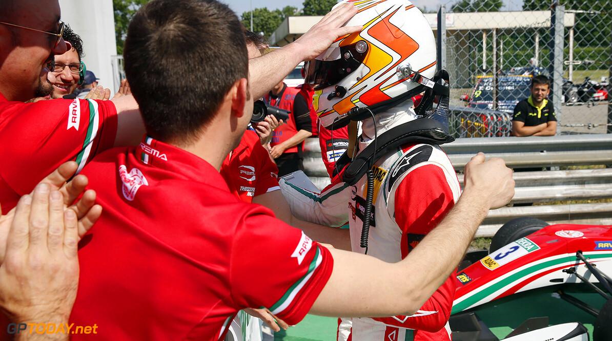 FIA Formula 3 European Championship, round 2, race 3, Monza (ITA 53 Callum Ilott (GBR, Prema Powerteam, Dallara F317 - Mercedes-Benz), FIA Formula 3 European Championship, round 2, race 3, Monza (ITA), 28. - 30. April 2017 FIA Formula 3 European Championship 2017, round 2, race 3, Monza (ITA) Thomas Suer Monza Italy