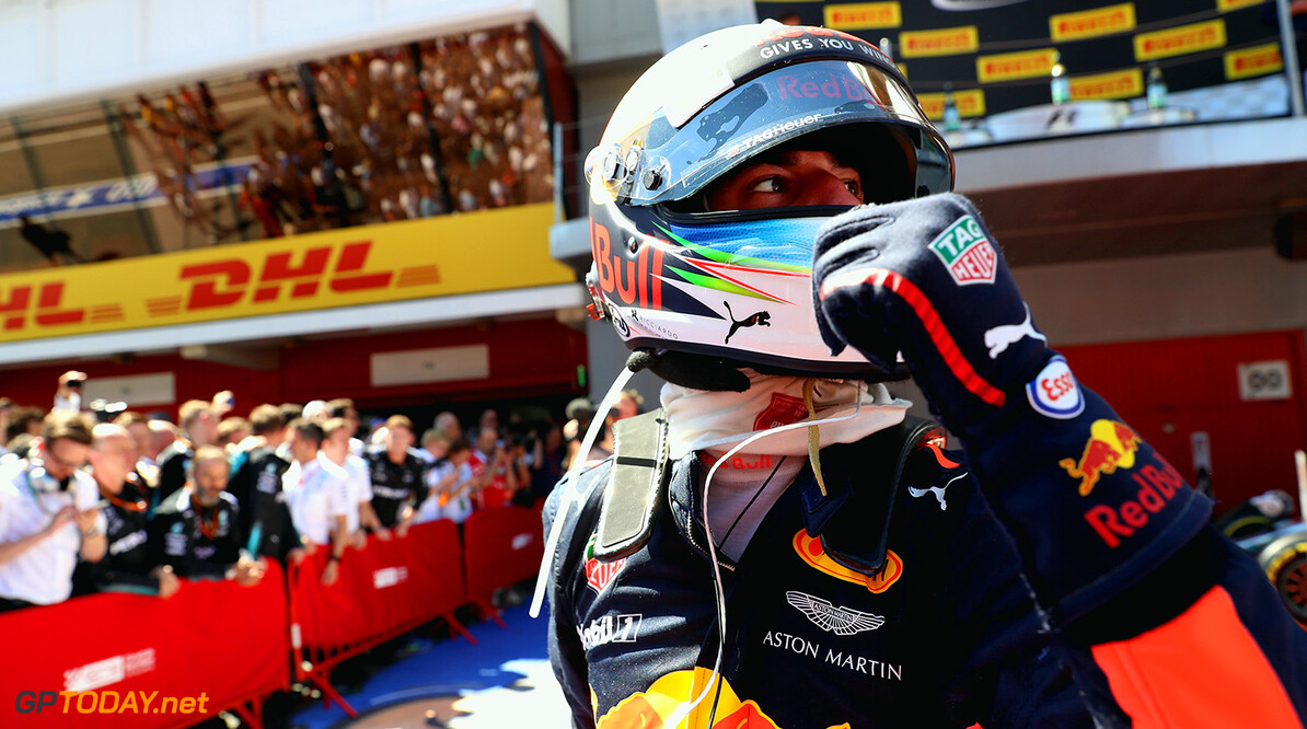 MONTMELO, SPAIN - MAY 14:  Third placed finisher Daniel Ricciardo of Australia and Red Bull Racing celebrates in parc ferme during the Spanish Formula One Grand Prix at Circuit de Catalunya on May 14, 2017 in Montmelo, Spain.  (Photo by Will Taylor-Medhurst/Getty Images) // Getty Images / Red Bull Content Pool  // P-20170514-00813 // Usage for editorial use only // Please go to www.redbullcontentpool.com for further information. //  Spanish F1 Grand Prix Will Taylor-Medhurst  Spain  P-20170514-00813